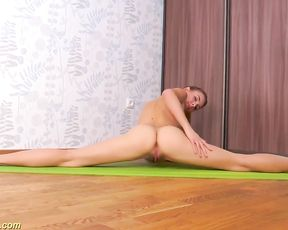 Hairy flexible girl does naked yoga