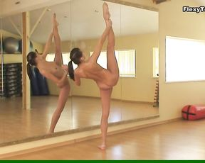 Nude gymnast Lata Pavlova does super flexible exercises