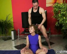 Naked mature woman has yoga sex with her instructor