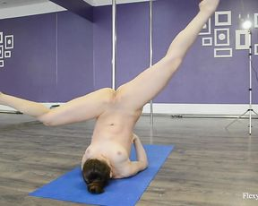 Nude gymnast in pointes performs yoga sex exercises