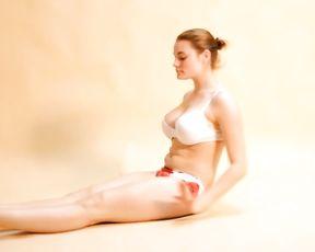 Busty gymnast in sexy yoga video