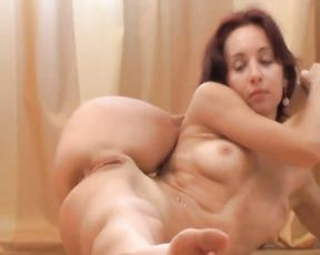 Nude yoga flexibe girl