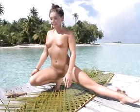 Gracie Glam's nude yoga on the beach