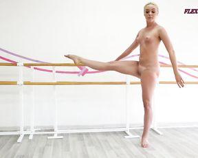 Real naked ballerina Anna Sigarga