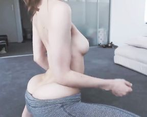 Teen in yoga pants stripping and dancing