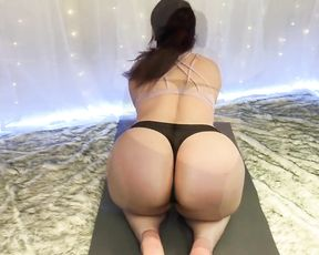 Yoga tease of hot MILF with huge ass