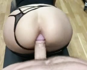 Amateur ass-fuck yoga porn video at the gym