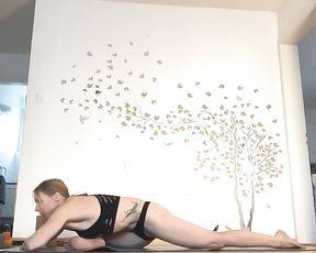 Sexy yoga black bikini