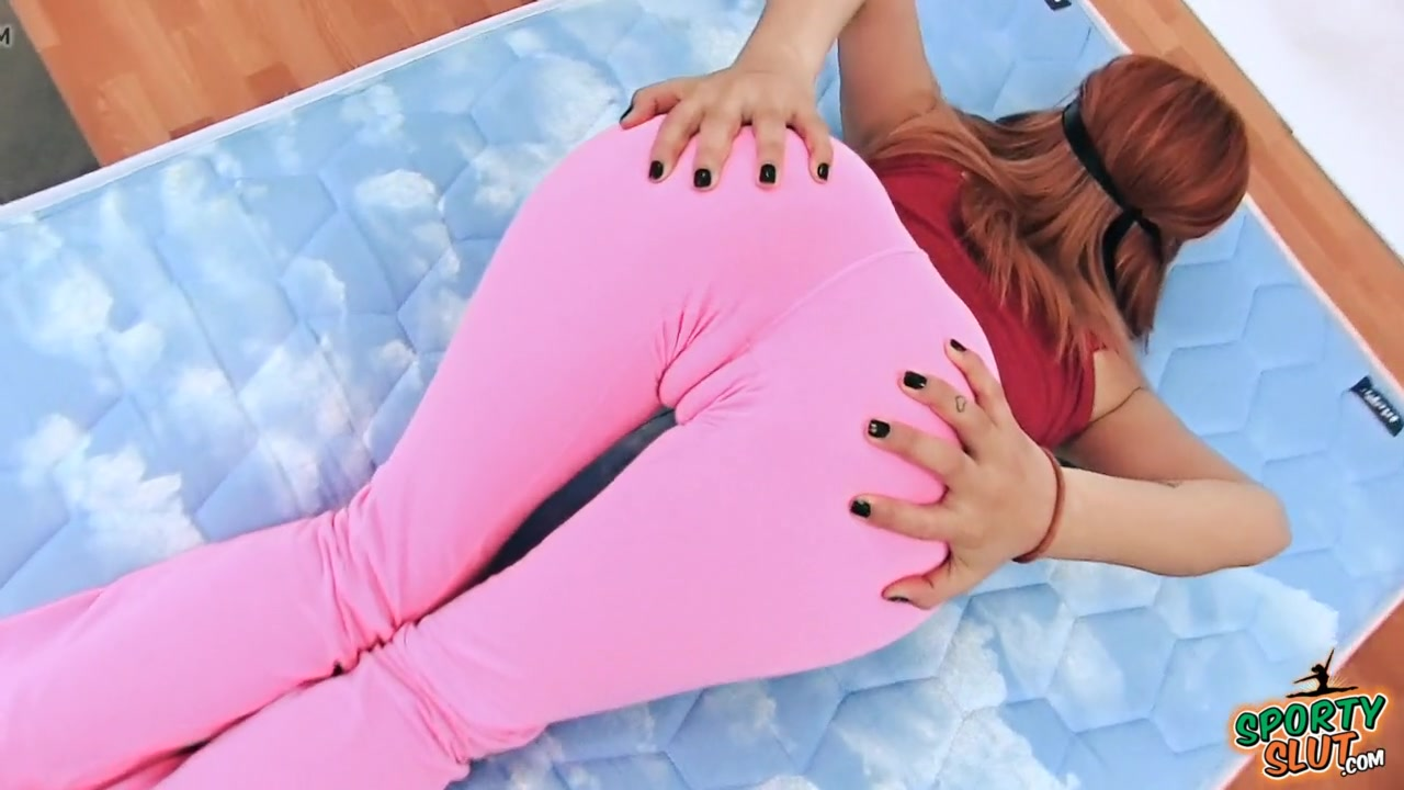 Hot asses and camel toes in yoga pants Perfect Ass Girl Has Sexy Cameltoe In Tight Yoga Pants