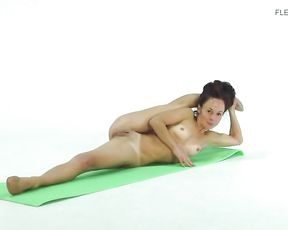 Naked contortionist twists her super flexible body into yoga sex positions