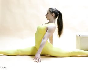 Extremely flexible gymnast in sexy yoga video