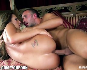 Yoga sex lesson with hot Richelle Ryan