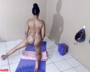 Amateur nude yoga with Callie