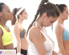 Sweaty cleavage in a yoga class full of hot babes