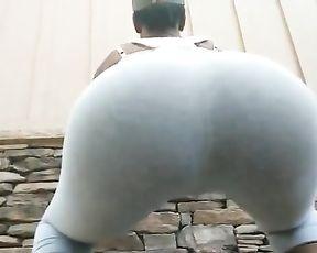 Big ebony booty in tight yoga pants